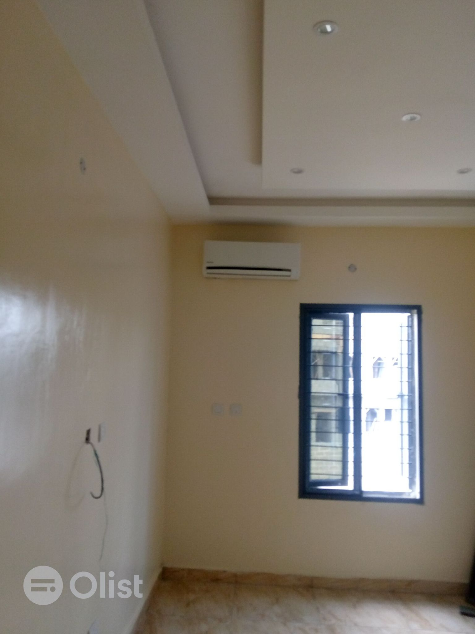 2 BEDROOM SERVICED APARTMENT FOR RENT.