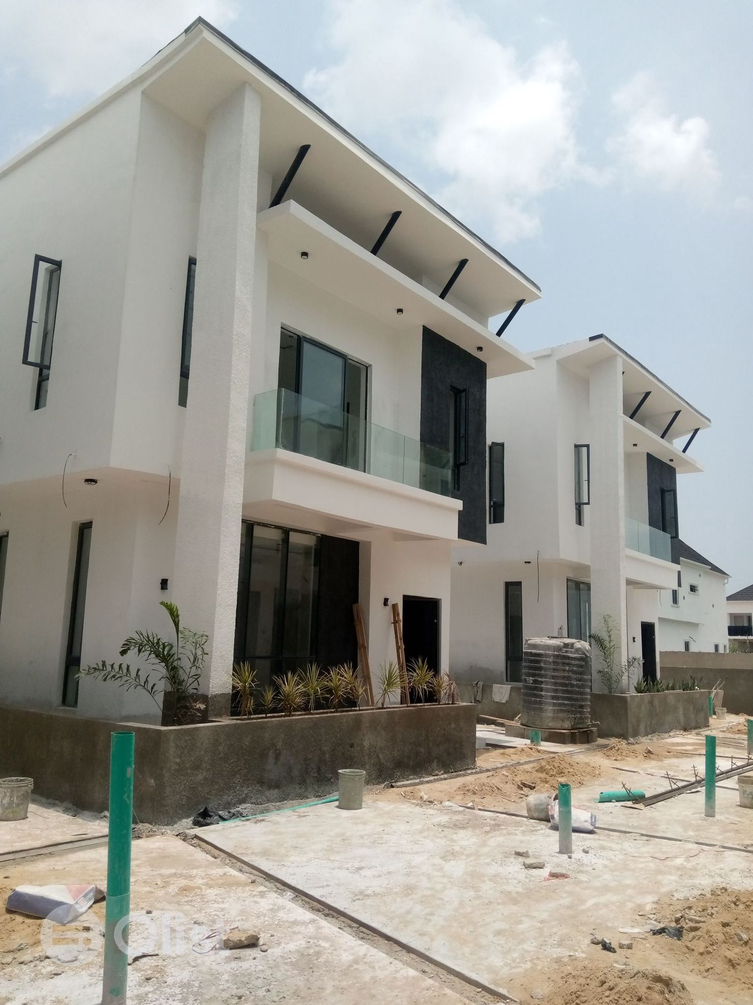 5BED ROOM DETACHED DUPLEX AVAILABLE FOR SALE
