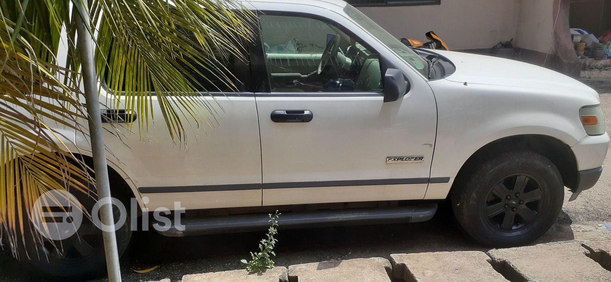 2004 Ford Explorer White Automatic Foreign Used