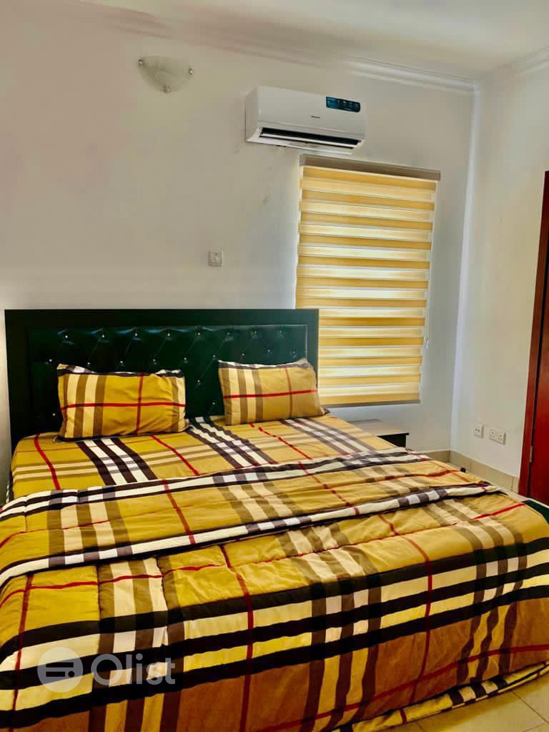 A fully furnished 3 bedrooms terrace in Lekki. 75k per day.