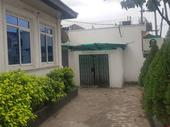 Clean 4 Bedroom Bungalow in Alagomeji for Rent