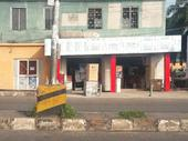 a very large office space facing the main road @ dugbe