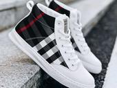 classy Guys Sneakers