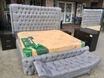 SPECIOUS KINGSIZE BED AVAILABLE FOR SALE