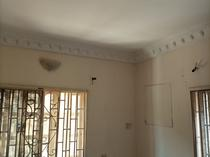 a clean mini flat to.let.in a gated side of akins , Ado road.