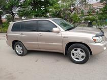 2005 Toyota Highlander Gold Automatic Foreign Used