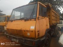 standard foreign used tipper for sale