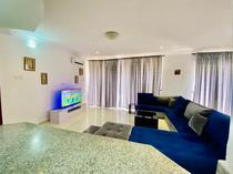 Cosy 3 Bedroom Penthouse  Shortlet Apartment