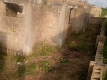 fenced 3bedroom flat & 1 room and parlour self con at roofing level